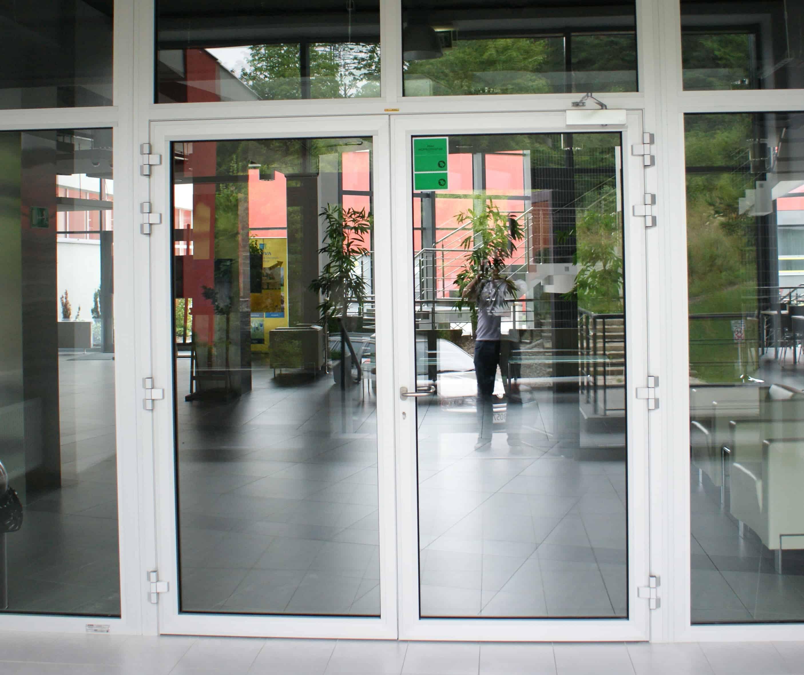 внутренняя противопожарная дверь с огнестойким стеклом Ei30 C5 1800 мм X 2100 мм двустворчатая дверь
